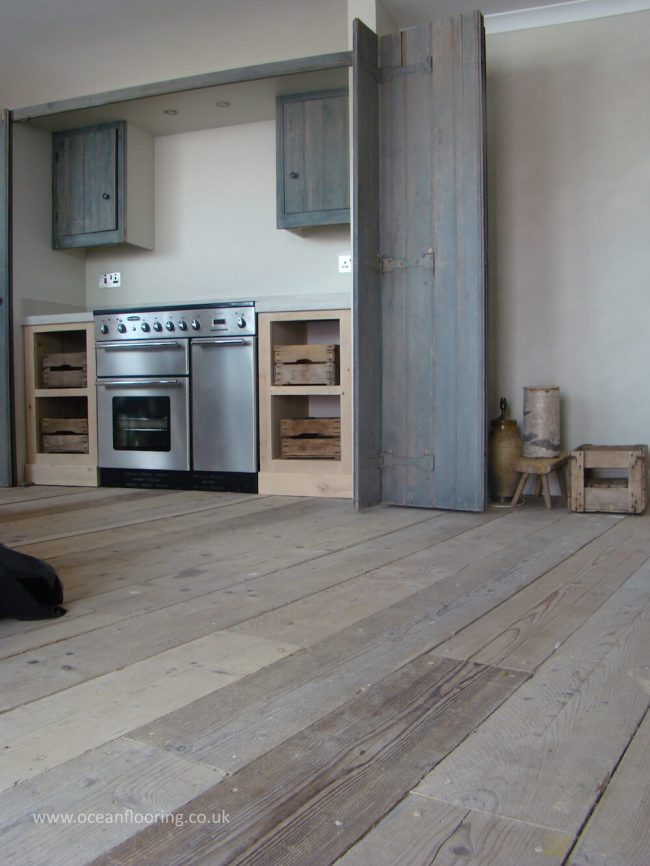 fitted kitchen flooring
